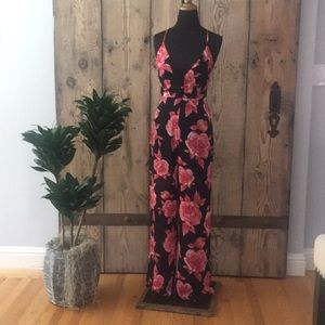 Awesome jumpsuit for summer!  Too small never worn